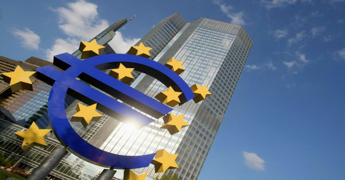 Euro-Logo-at-European-Central-Bank