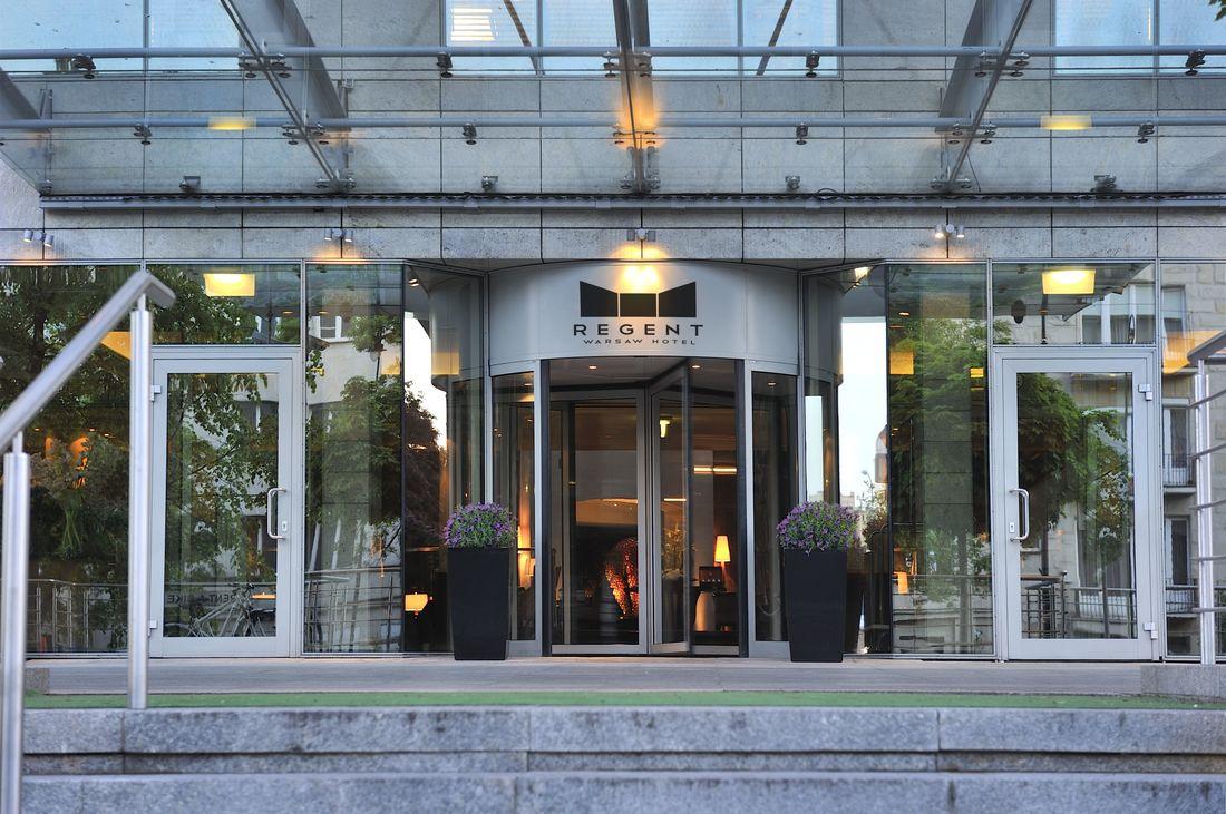 regent-warsaw-hotel-entrance_orig