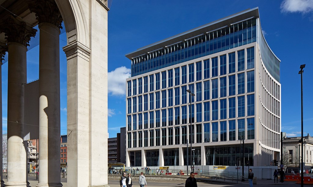 one-st-peters-square-manchester-pictured-after-completion-may-2017-resized